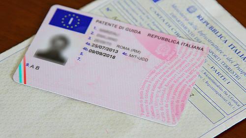 patente di guida italiana.