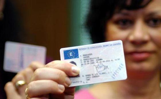 licencia de conducir española.